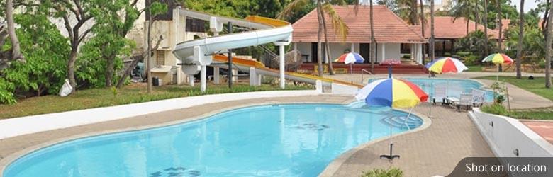 Swimming Pool in Devanahalli, Bangalore - House of Hiranandani